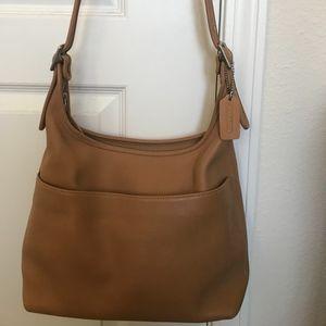 Vintage Coach Legacy Hobo Tote shoulder purse.